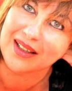 Nora Mokrani